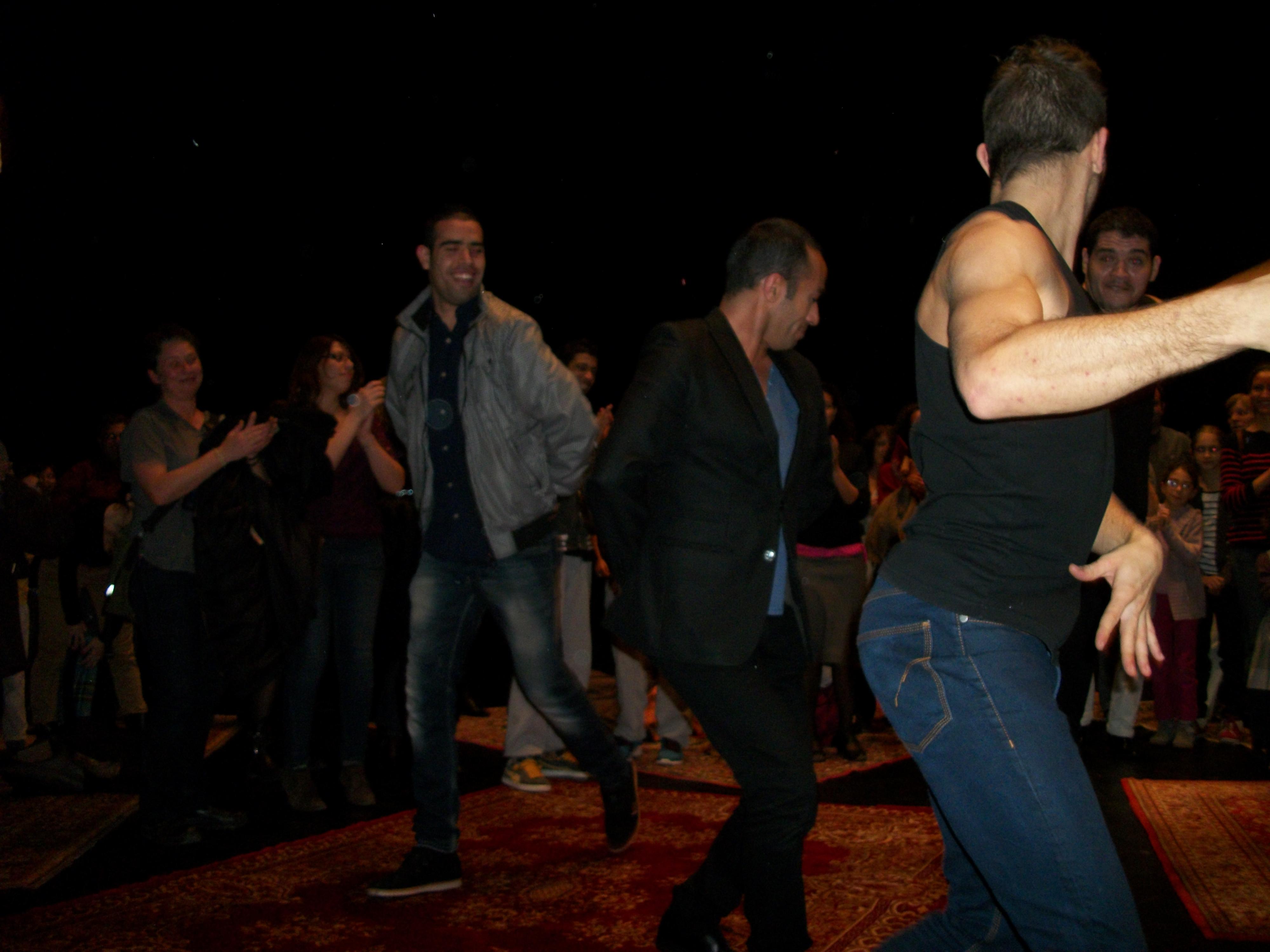 Abou Lagraa entre dans la danse